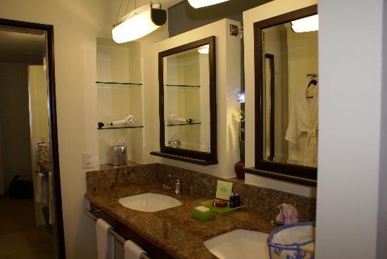 Seminole Hard Rock Hotel Hollywood : La salle de bain dans notre chambre