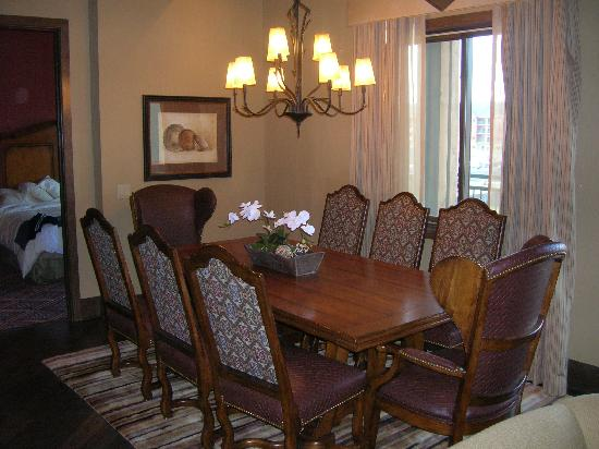Glacier Canyon Lodge: Dinning room