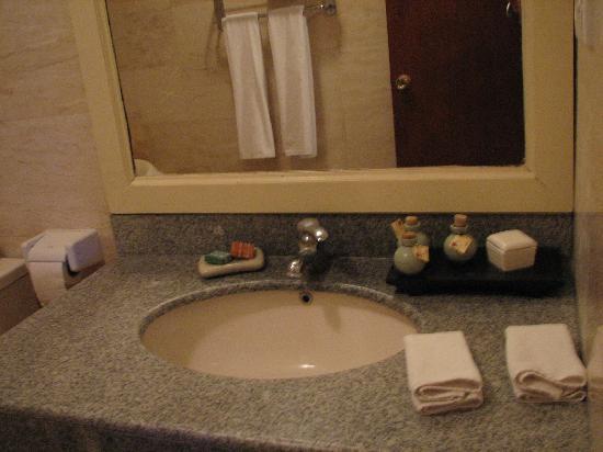 Bathroom - Ellie's