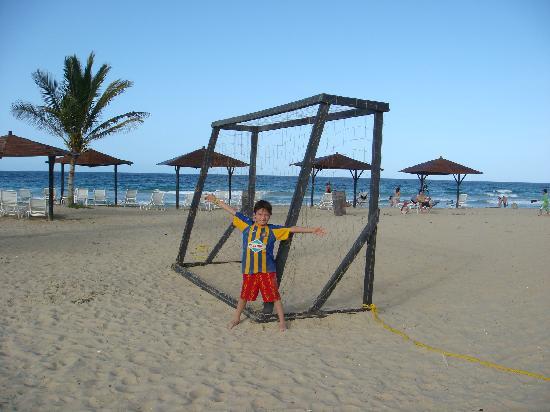 Laguna Mar: Jugando al futbol al fin del día