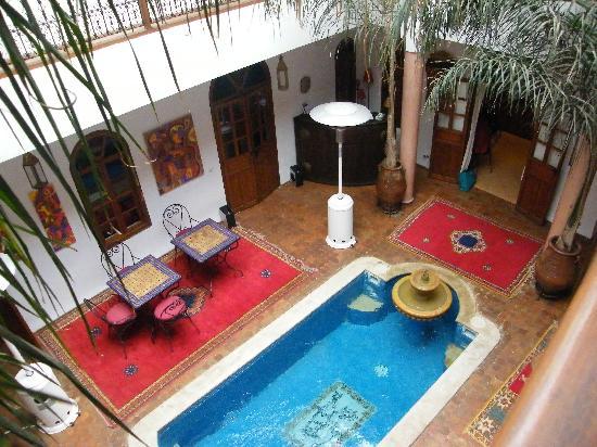 Riad Adika: Tiny pool!
