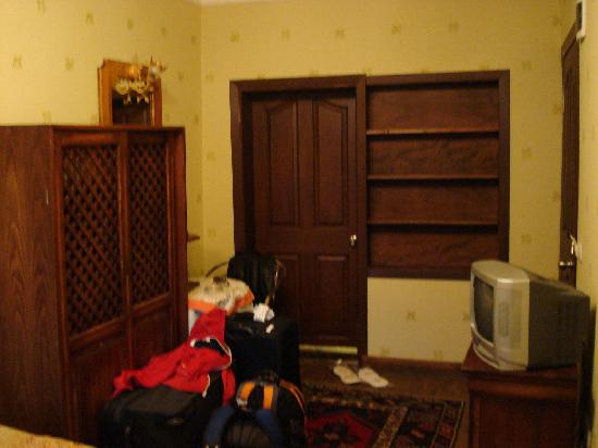 Apricot Hotel: hotel room #5