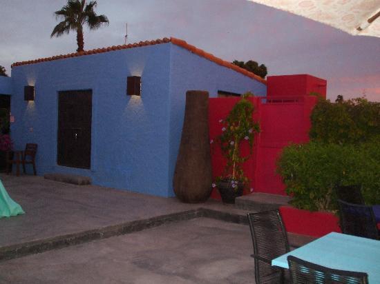 The Hotelito: Color me happy