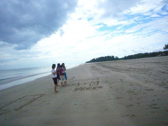 Sematan Village: The peaceful and remote Sematan Beach