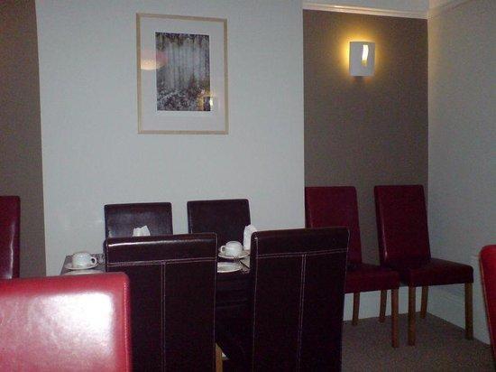 Birchleigh Guest House: Breakfast Room