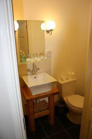 Birchleigh Guest House: Bathroom