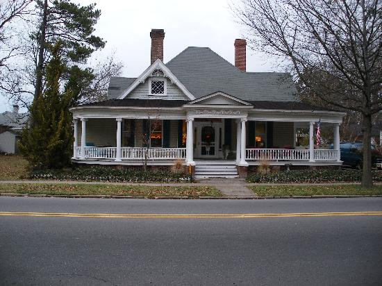 Tarboro, NC: House on Main ST