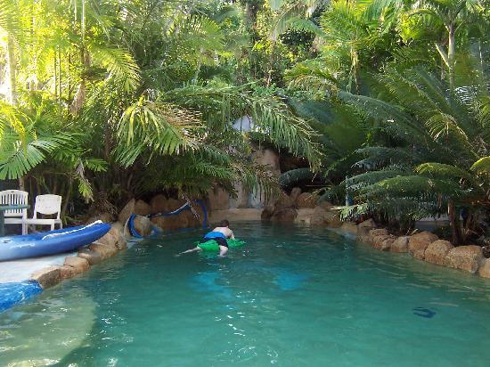 Beach Shack Backpackers Resort : Pool