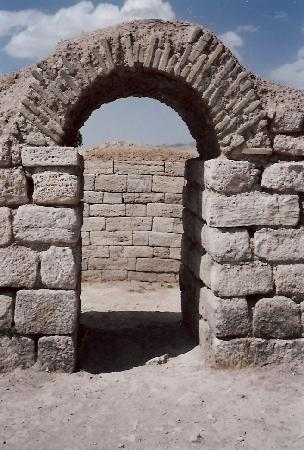 Takht-e Soleyman: Photo 9