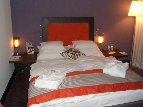 andel's by Vienna House Cracow: The Bed