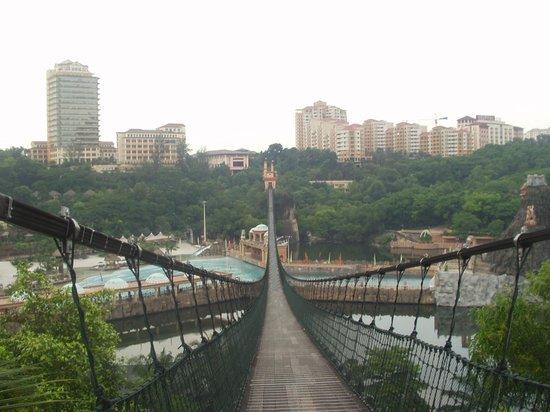 Sunway Lagoon Long Bridge