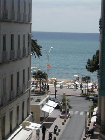 Azurene Royal Hotel: vue depuis ma chambre