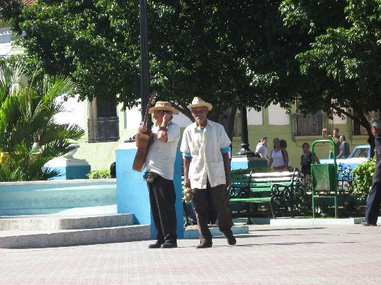 Cespedes Park: Park habituees