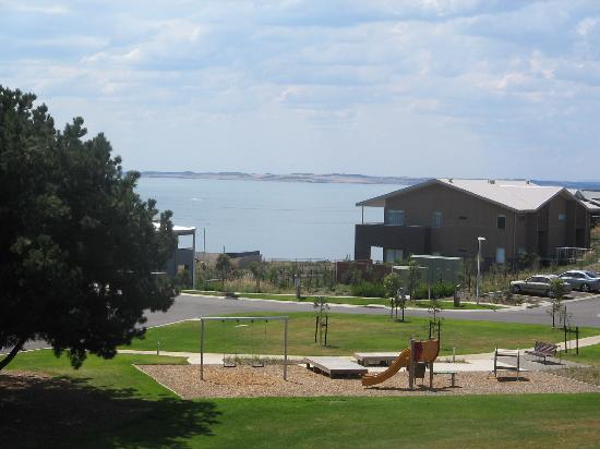 Silverwater Resort: The playground and view of the ocean