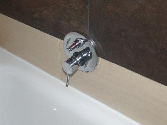 Hotel Re di Roma: The shower