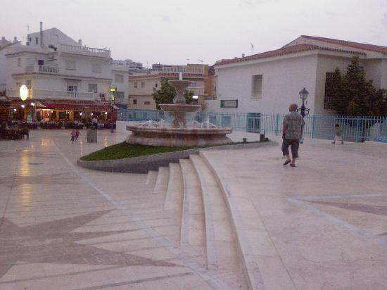 La Carihuela: The fountain on C/ Chiriva