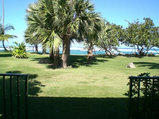 Villa Montana Beach Resort: The view from the back of our villa