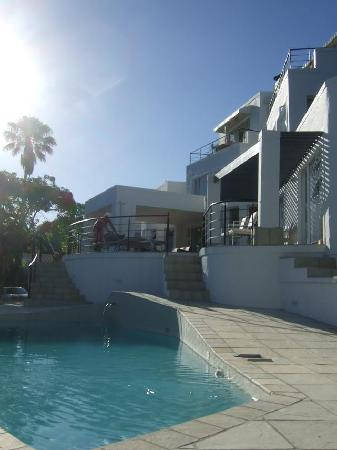 Villa Afrikana Guest Suites: Blick vom Pool