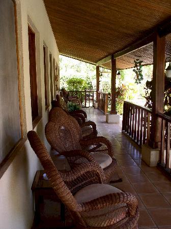 Hotel Bula Bula: Bula Bula porch