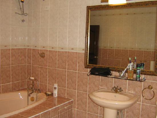 Villa Victoria Guesthouse : Bathroom