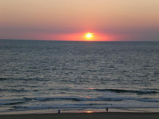 Holiday Inn Express Hotel Suites Virginia Beach Oceanfront Sunset Va