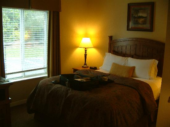 HYATT house Branchburg: bedroom