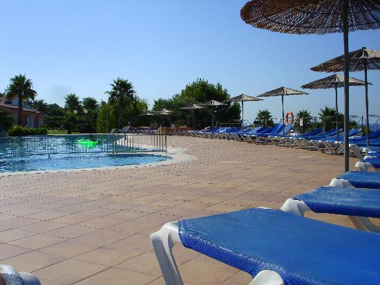 Villas Mar Blau: Another busy day at the pool