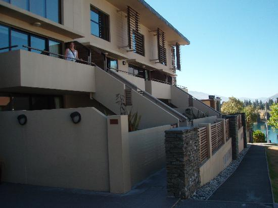 Garden Court Suites & Apartments : Apartments from the front