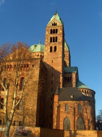 Walking up to the Cathedral of Speyer