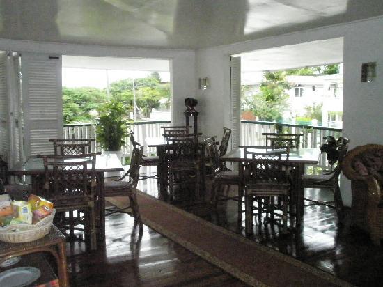 Herdmanston Lodge -- Guyana Hotels: Veranda