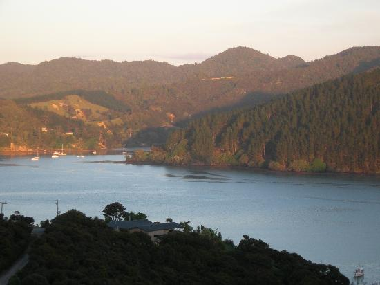 Waimanu Lodge Whangaroa Northland: Sun rise in the Harbour