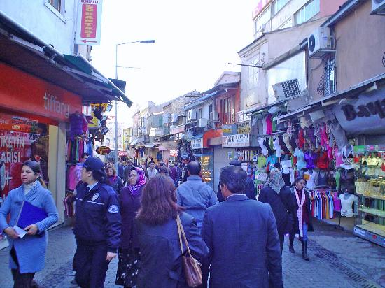Izmir, busy market