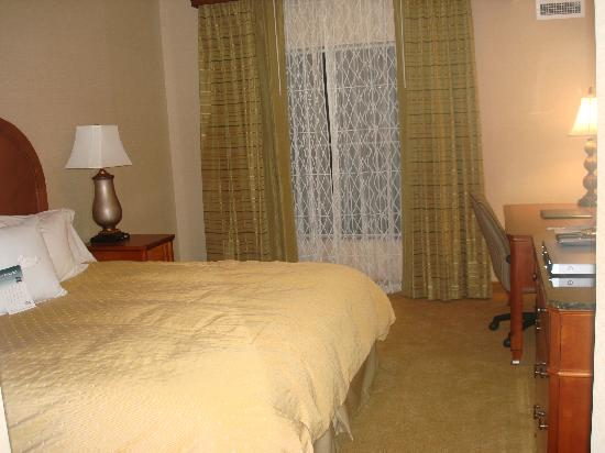 Homewood Suites Hagerstown : King Bed Room in 2br/2ba Suite