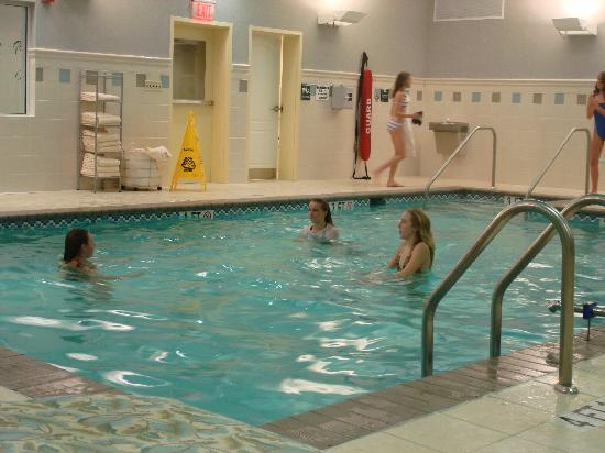 Homewood Suites Hagerstown: Indoor Pool