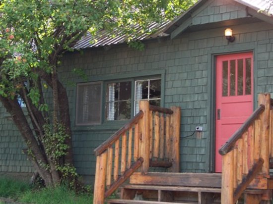 Molly Butler Lodge & Cabins : Historic Longhouse