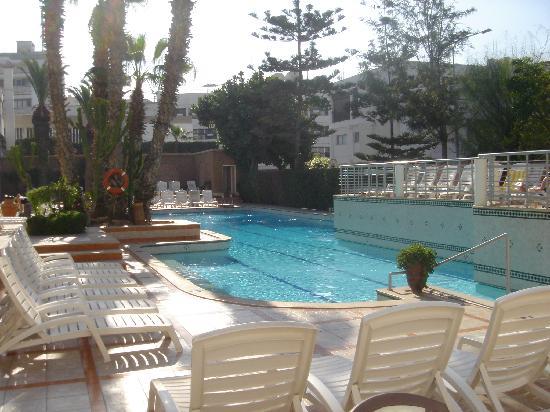 Hotel Kamal: Pool area