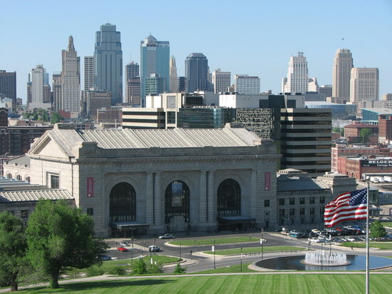 Kansas, MO: Union Station and the KC skyline