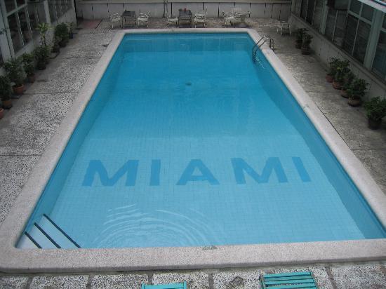 Miami Hotel: swimming pool
