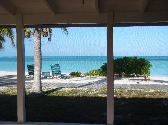 كاب سانتا ماريا بيتش ريزورت: View from the porch (forward)