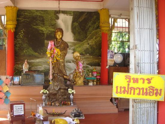 Phra Buddha Chinnarat in Wat Yai, Phitsanulok - Photo de Phra Si Ratana Templ...