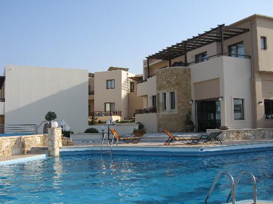 Indigo Mare: Pool