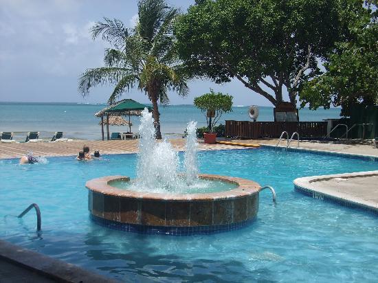 Copamarina Beach Resort Spa Pool With Fountain