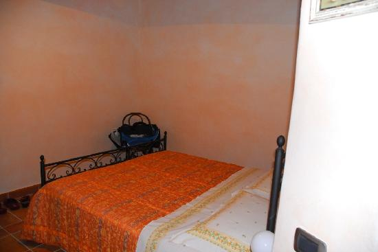 Casale Ripalta Bed & Breakfast: camera gialla