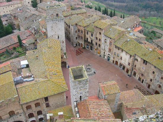 Palazzo al Torrione 2: la vista di san gimignano dalla torre grossa