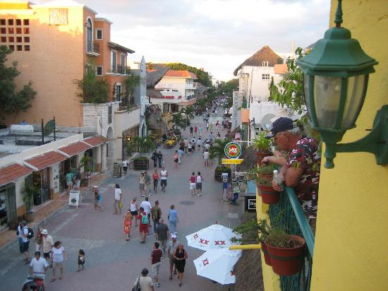 Hotel Pension San Juan: View of street from balcony