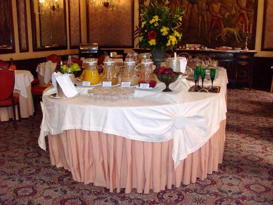 Hotel Infante Sagres: Buffet del dasayuno