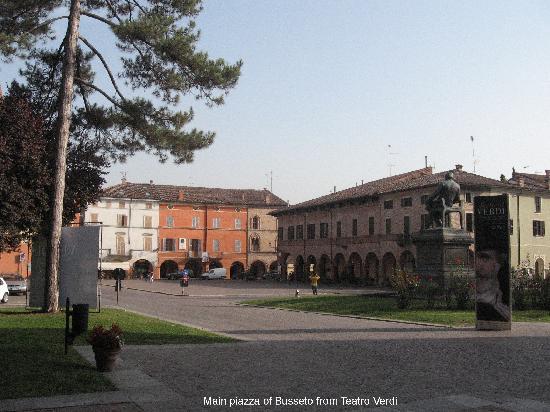 I Due Foscari : Main piazza from Teatro Verdi, showing Verdi statue and Caffe Centrale