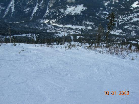 Panorama Mountain Resort: One of the many runs in Founder's Ridge