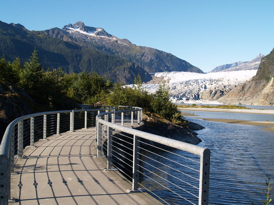 Mendenhall Glacier: the path to Photo Point is wheelchair accessible