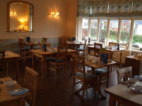 Blyth Hotel Restaurant Set For Breakfast